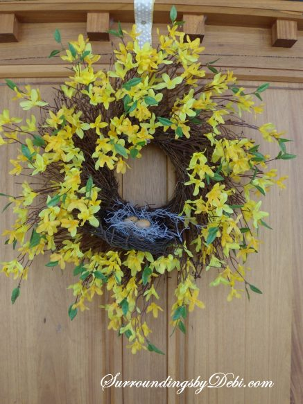 How to Make a Simple Forsythia Wreath