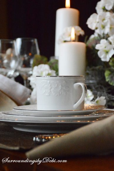 Place-setting-in-Candleligh