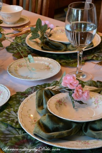 Rose-Tablescape-Goblet