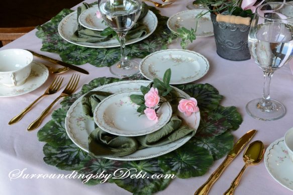 Rose-Tablescape-Place-Seeti