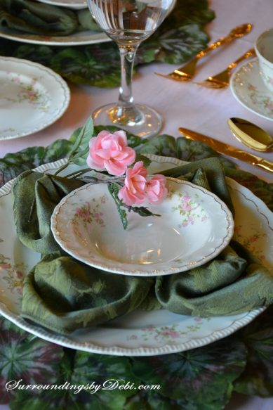 Rose-Tablescape-Rose-Adornm