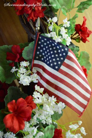 red-Geranium-Wreath-Flag