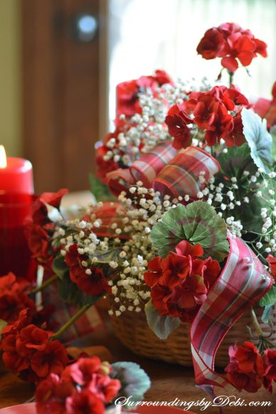 Red-Geranium-Tablescape-Bas