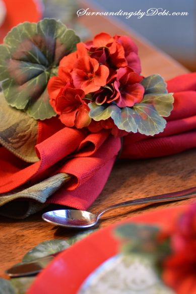 Red-Geranium-Tablescape---N