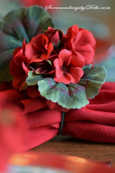 Red-Geranium-Tablescape-Nap