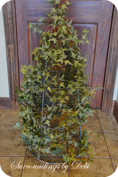 Ivy Complete on Topiary