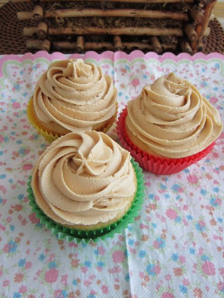 cupcakes-w-peanut-butter-icing-768x1024