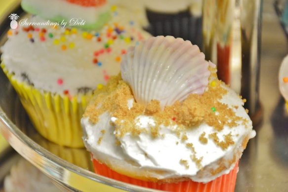 Beach Party Cupcakes - Seashell