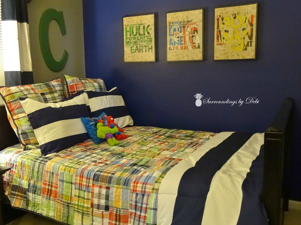 10 ideas for a superhero bedroom transformation for Superhero bedroom ideas