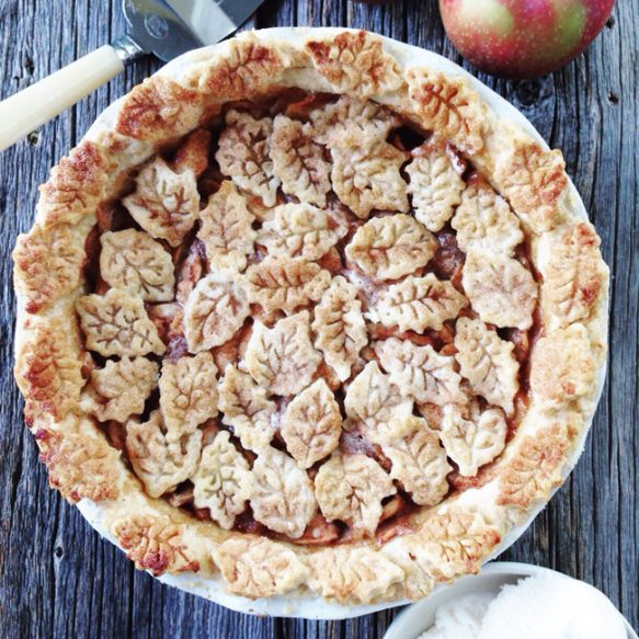 The-Easiest-Apple-Pie-A-Pretty-Life