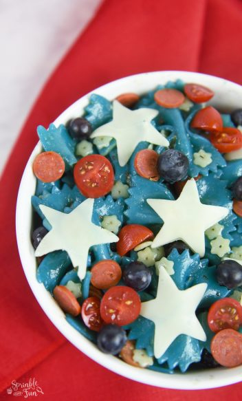 Patriotic-Pasta-Salad.-Fun-side-dish-for-a-4th-of-July-party