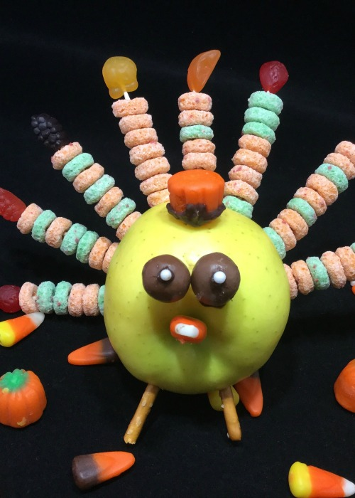 apple-turkeys-fun-turkey-treats-for-the-little-ones