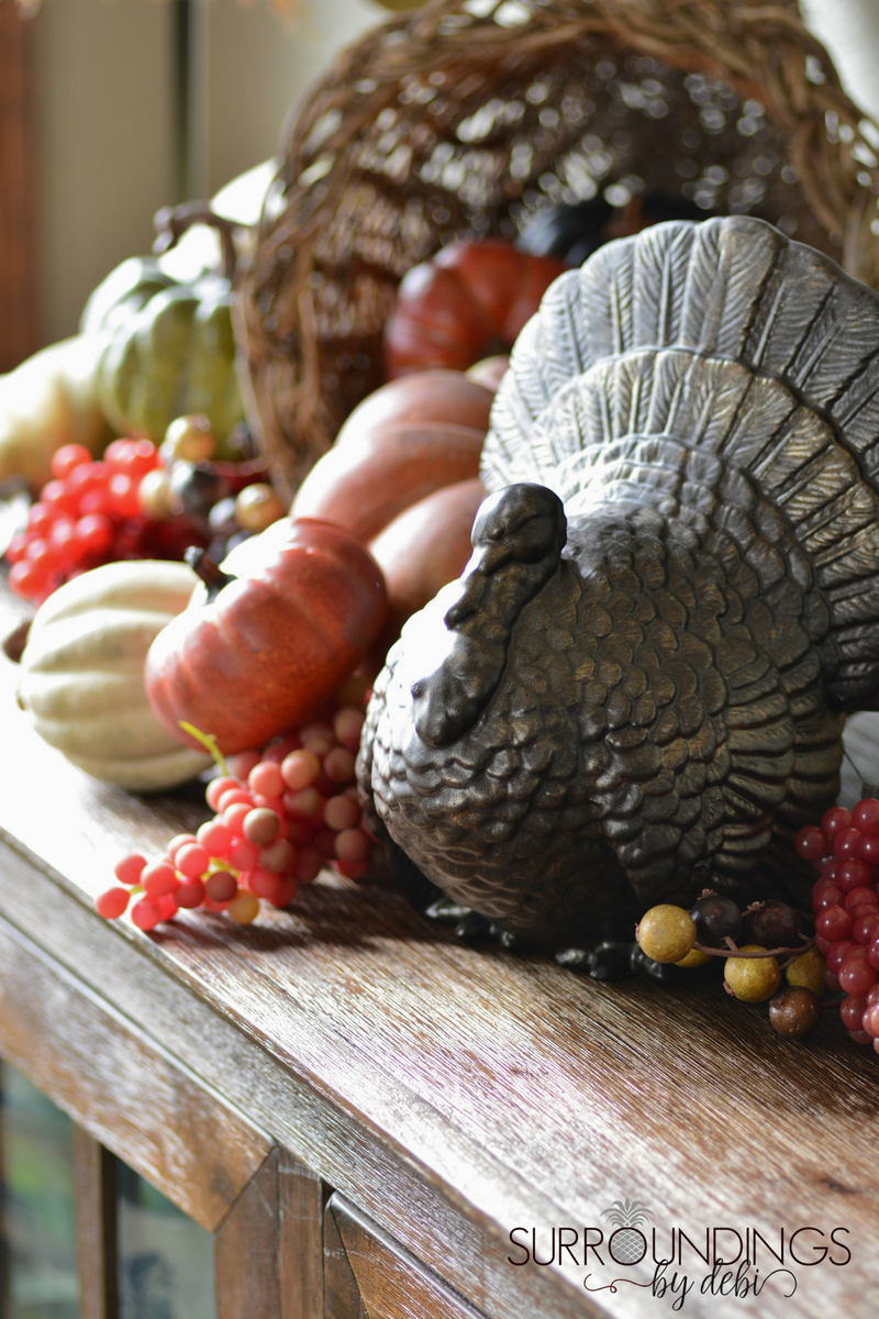 ceramic-turkey-on-buffet