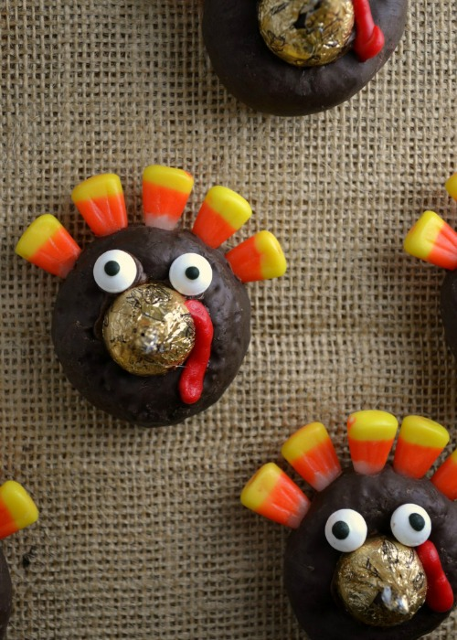 Easy Turkey Donuts - Fun Turkey Treats for the Little Ones