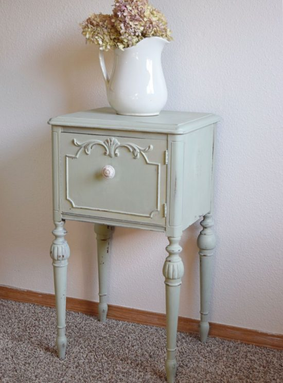 Fun DIY Projects - Mint End Table